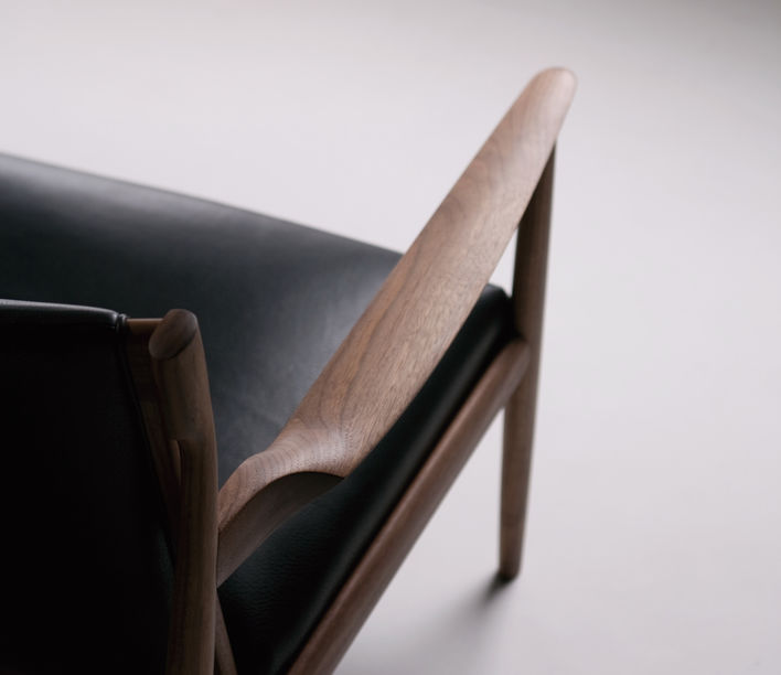 Claude Easy Chair 4